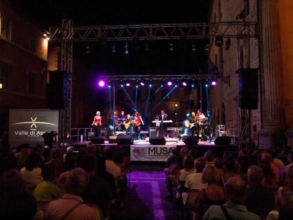 Concerto Sanja Ilić e Balkanika ad Assisi